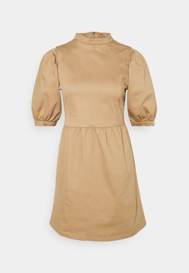 PUFF SLEEVE MINI DRESS - Denim dress - camel