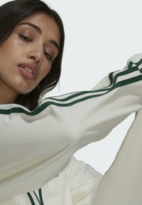 adidas Originals - TENNIS LUXE CARDIGAN ORIGINALS - Chaqueta de punto - off white - 4