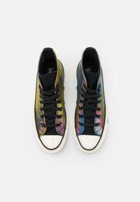 Converse - CHUCK 70 IRIDESCENT UNISEX - High-top trainers - black/multicolor/white - 3