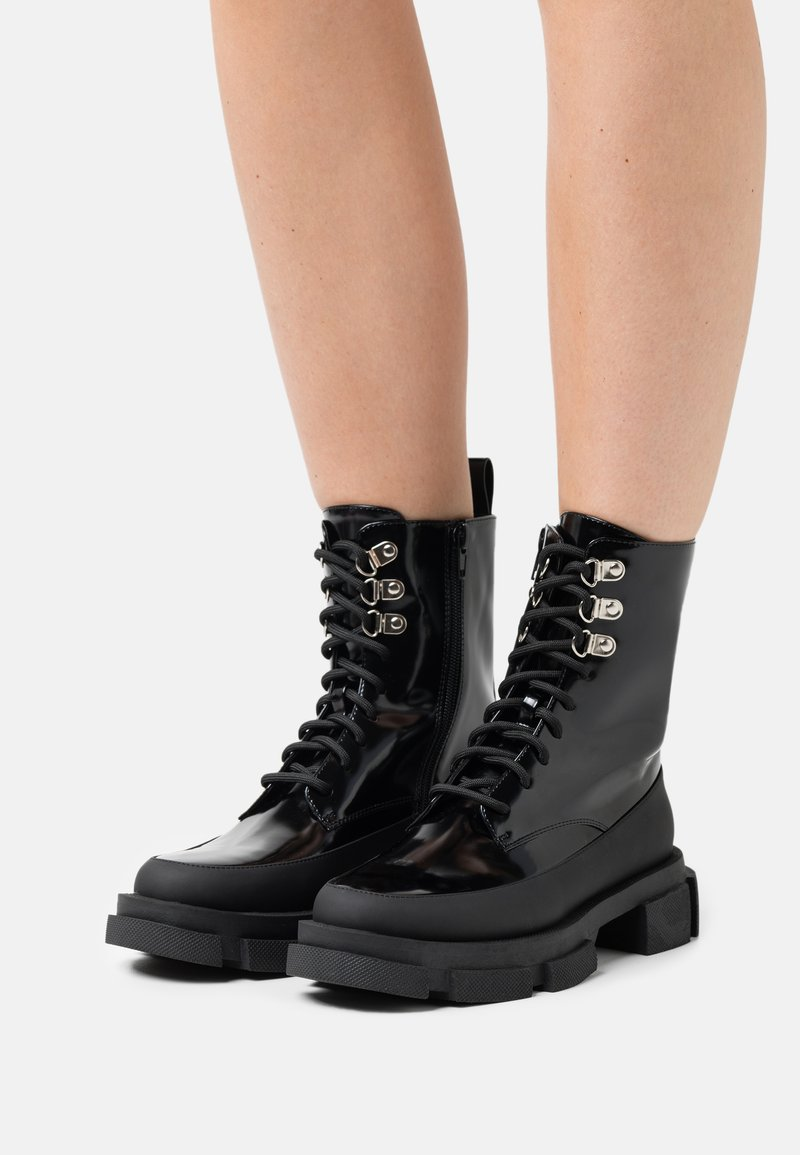 TWINSET - ANFIBIO FONDO COMBAT - Lace-up ankle boots - nero