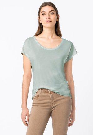 WEIT GESCHNITTENES - Basic T-shirt - aqua