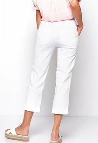 TONI - SUE - Trousers - white - 2
