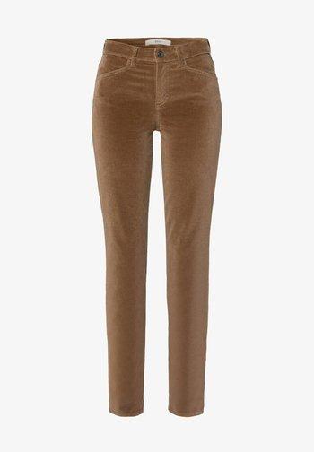 SHAKIRA - Slim fit jeans - chestnut