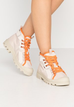 LACE UP CLEATED  - Ankle boots - smooth stone