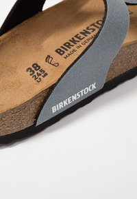 Birkenstock - GIZEH - T-bar sandals - icy metallic anthracite - 5