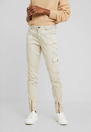 CUBERITA CARGO PANTS - Cargo trousers - dune