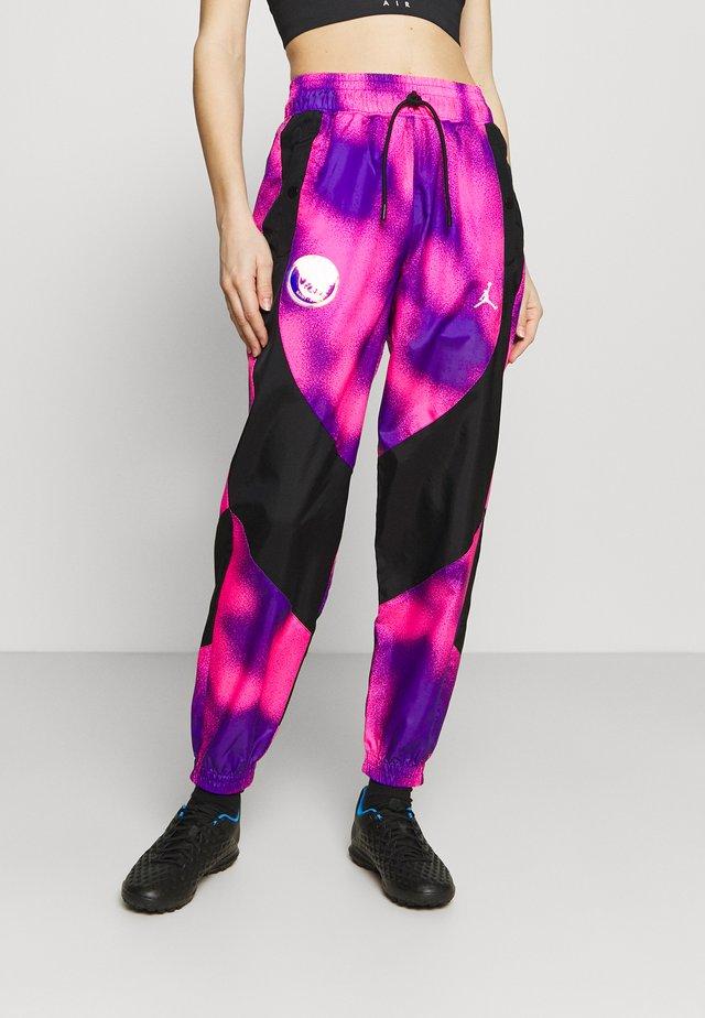 JORDAN PARIS ST GERMAIN WARM UP PANT - Squadra - psychic purple/black
