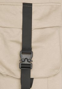 Sixth June - FRONT BUCKLE POCKET PANT - Cargo trousers - beige - 2
