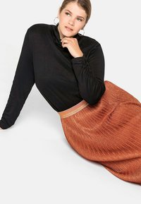 Sheego - Pencil skirt - rostorange - 3