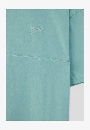 MIT AUFGESTICKTEM STWD-LOGO - Basic T-shirt - green