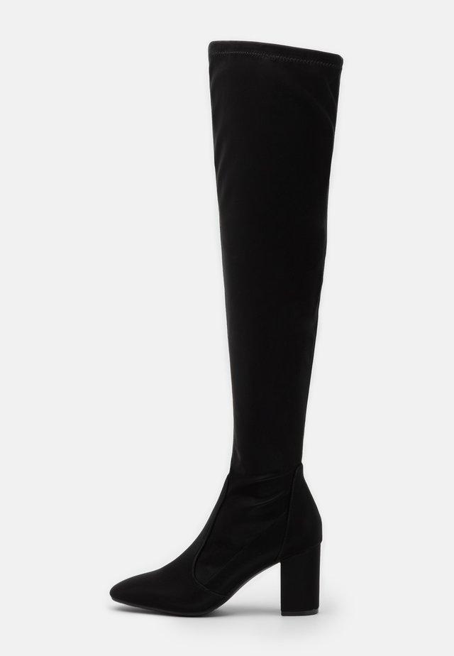 LAUSICK - Kozačky nad kolena - black