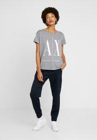 Armani Exchange - Print T-shirt - grey - 1