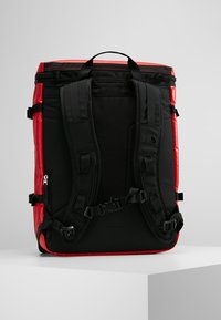 The North Face - BASE CAMP FUSEBOX - Rucksack - red - 2