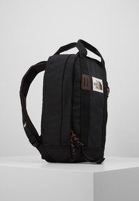 The North Face - TOTE PACK UNISEX - Rygsække - black heather - 4