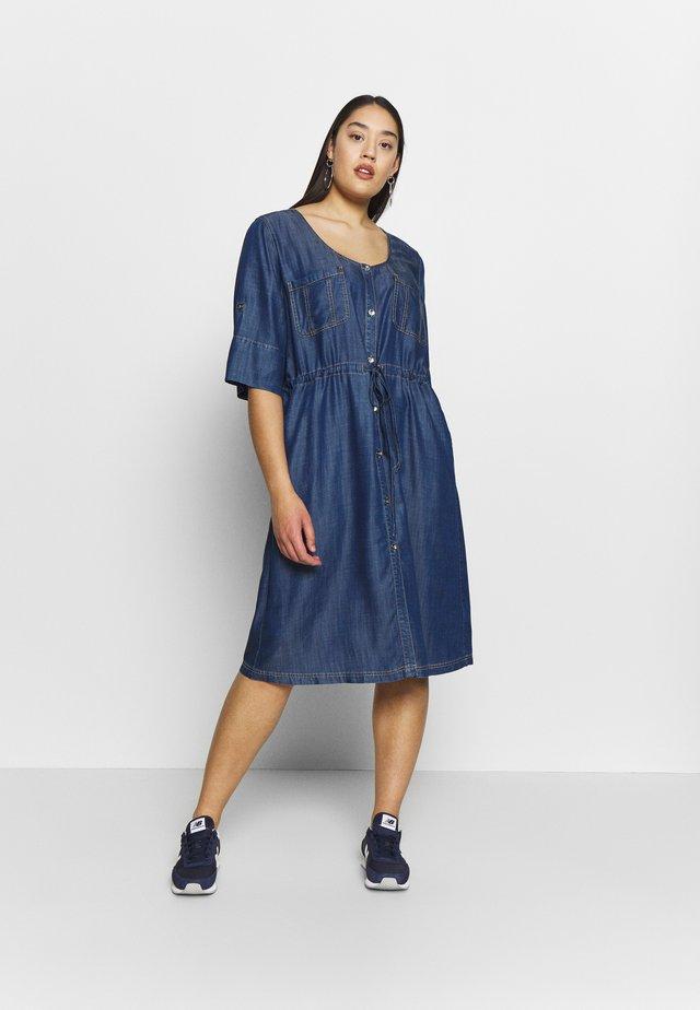DAVANTI - Robe en jean - blu marino