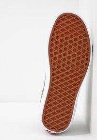 Vans - UA SK8-HI  - Sneaker high - beech/true white - 4