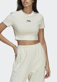 adidas Originals - R.Y.V. CROP TOP - T-shirt basic - white - 3