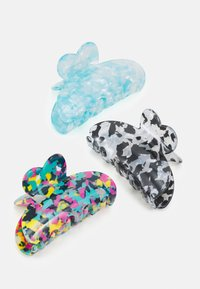 Pieces - PCLIMA HAIRSHARK KEY 3 PACK - Hair styling accessory - blue/multi/marble - 2