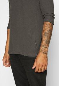 YOURTURN - UNISEX - Long sleeved top - dark gray - 3