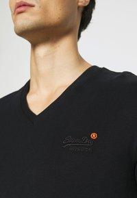 Superdry - CLASSIC TEE - Basic T-shirt - black - 5