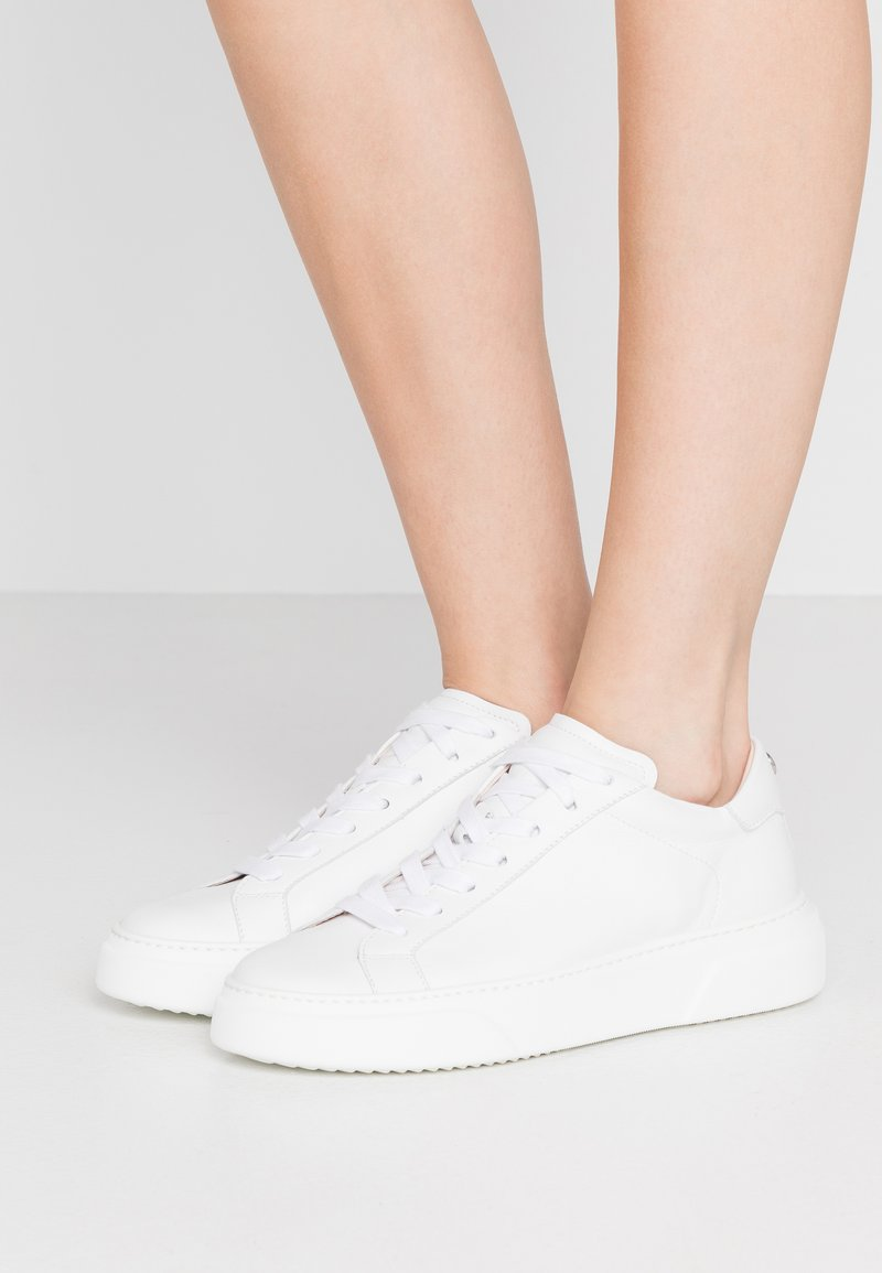 Marc Cain - Trainers - white