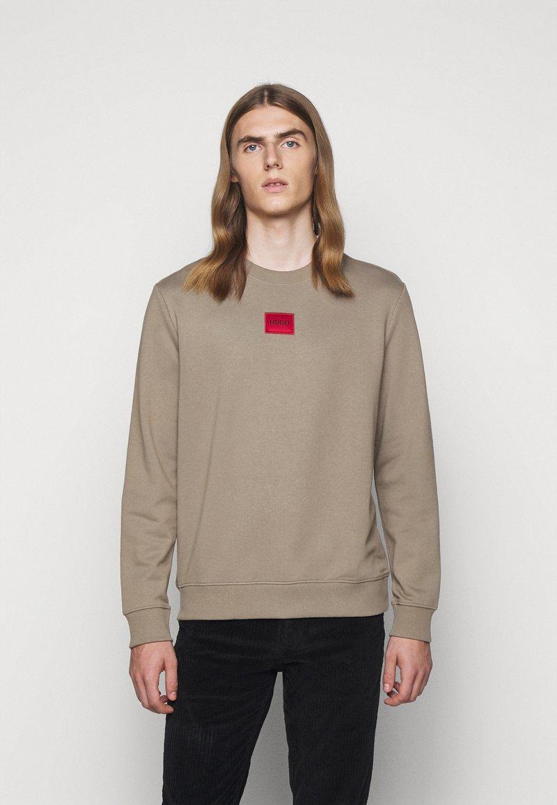 HUGO - DIRAGOL - Sweatshirt - light pastel brown