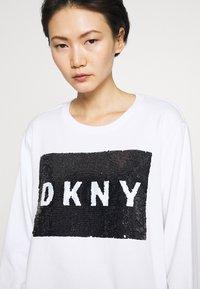 DKNY - EVERYDAY SEQUIN LOGO - Sweatshirts - white/black - 4