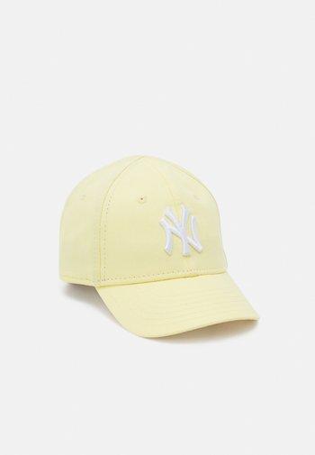 PASTEL LEAGUE UNISEX - Cap - light yellow/white