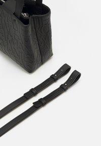 Armani Exchange - SMALL OPEN SHOPPING - Handbag - black - 3