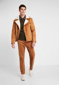 Minimum - MODEL TWO - Pantalon classique - tobacco brown - 1