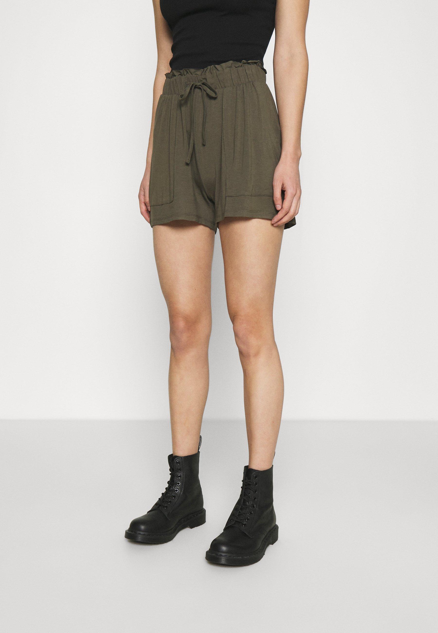 Women PCNEORA FRILL - Shorts