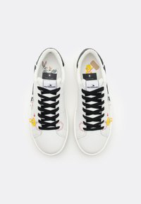 MOA - Master of Arts - FLIPS TWEETY AND SILVESTRO - Trainers - white - 4