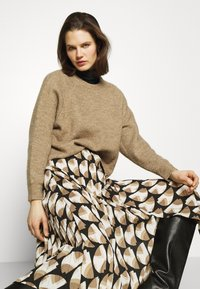 Freequent - PAULA MUST - A-line skirt - beige/sand - 3