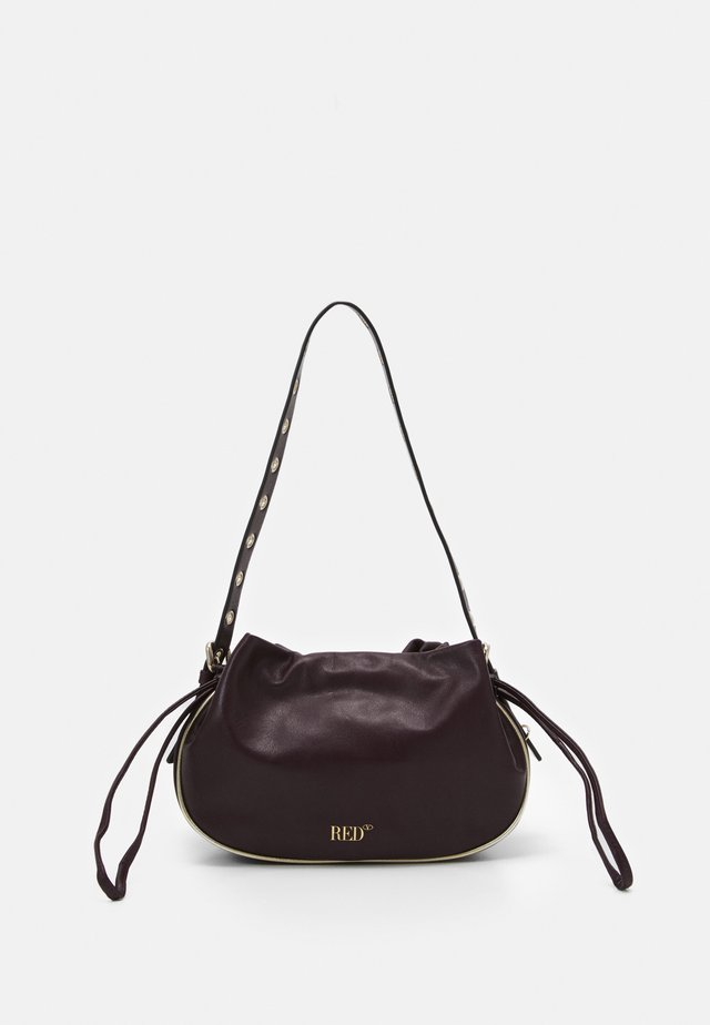 TOP HANDLE BAG - Kabelka - aubergine/oro