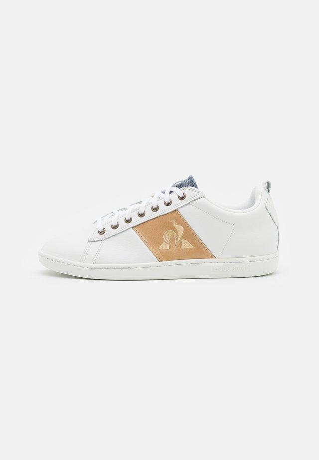COURTCLASSIC - Sneakers - optical white/tan