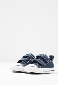 Converse - CHUCK TAYLOR ALL STAR - Trainers - athletic navy/white - 3