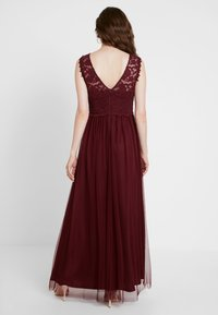 Vila - VILYNNEA MAXI DRESS - Suknia balowa - tawny port - 3