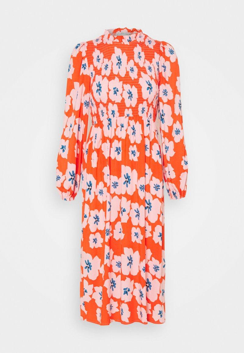 Never Fully Dressed Petite - SWEDISH FLOWER MIDAXI DRESS - Day dress - orange