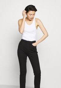 rag & bone - NINA HIGH RISE ANKLE CROP - Skinny džíny - black - 3