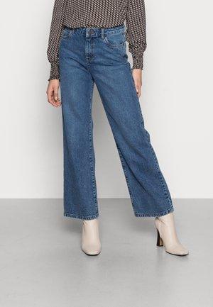 NMAMANDA WIDE JEANS - Jeans baggy - medium blue denim