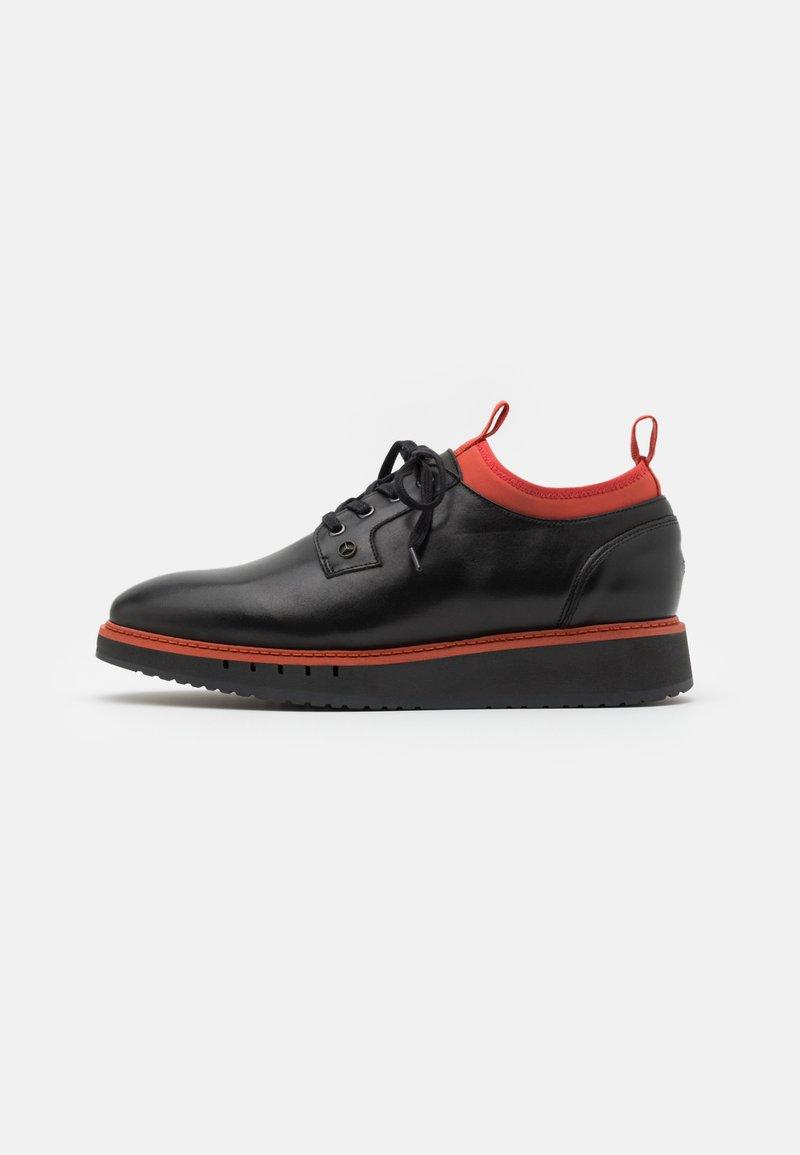 Tommy Hilfiger - LACE UP DERBY - Volnočasové šněrovací boty - black/princeton orange