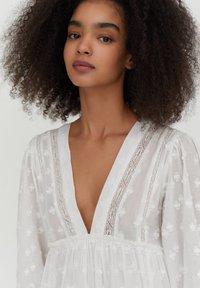 PULL&BEAR - MIT SPITZE - Day dress - white - 3