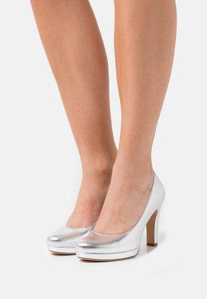 Platform heels - silver