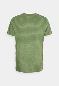 Selected Homme - SLHMORGAN STRIPE O NECK TEE - Print T-shirt - vineyard green/egret - 8
