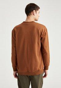 DeFacto - OVERSIZED - Sweatshirt - brown - 2