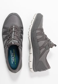 Skechers Wide Fit - GRATIS - Trainers - charcoal mesh/gray - 3