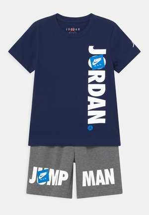 JUMPMAN SET - Print T-shirt - carbon heather