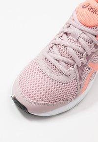 ASICS - JOLT 2 - Zapatillas de running neutras - watershed rose/sun coral - 2