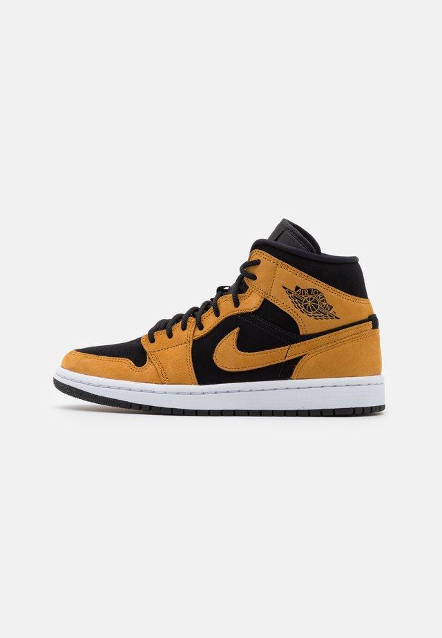 AIR JORDAN 1 MID SE - Sneakersy wysokie - desert ochre/white/black