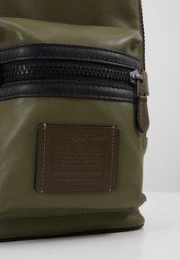 Coach - ACADEMY PACK - Across body bag - light olive - 6
